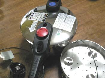 3圧力鍋と海南鶏飯