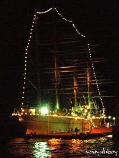 海王丸の夜景 2006.11.25 18:51撮影