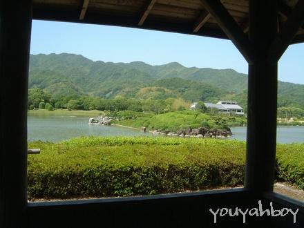 休憩小屋から眺める南楽園
