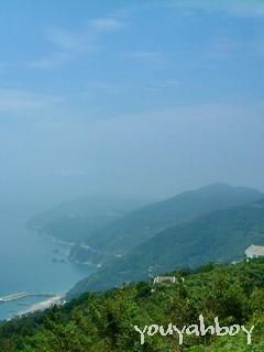 「かすみの中の佐田岬半島」クリックすると巨大化します!