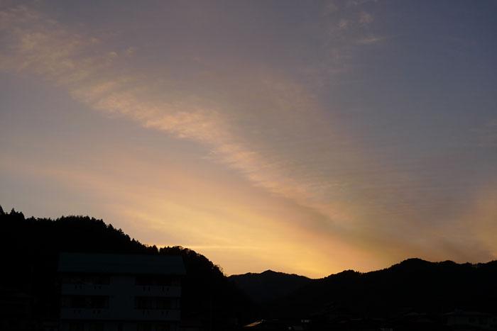 霜月 夕暮れ 飛騨 高山 日之本元極