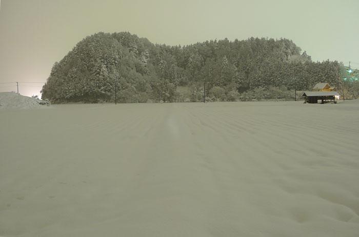 スキー シーズン 夜景 高山 気功