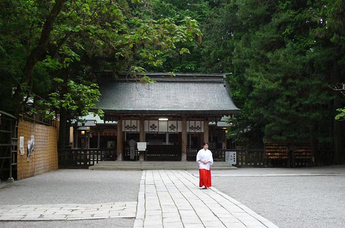 諏訪神社 上社 本宮 日之本元極
