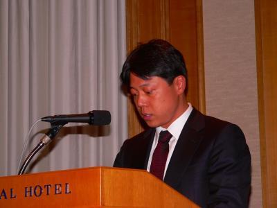 写真キャプション=同社の財務状況の説明を行う韓健取締役財務経理本部長