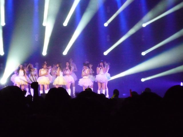 AKB on stage