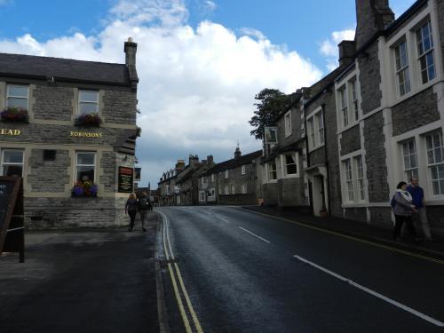 Castleton1_20110919050409.jpg