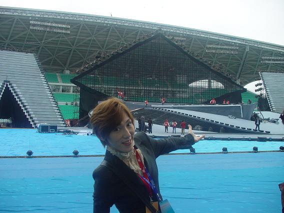中国公演 中山大学 スタジアムでゆうま