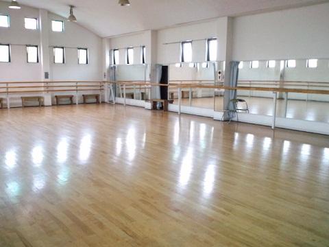 豊田バレエ学校大きなスタジオ2