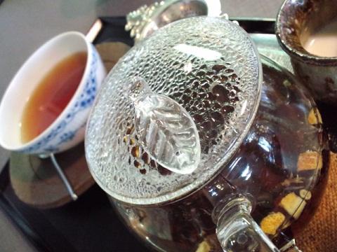 お茶でひと息_ティーポット