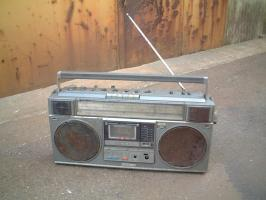 800px-Radio_cassette_player.jpg