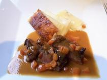 4.ステーキとジャガイモのミルフィーユ