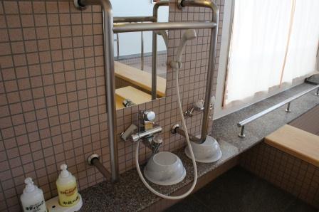 風呂場洗面台