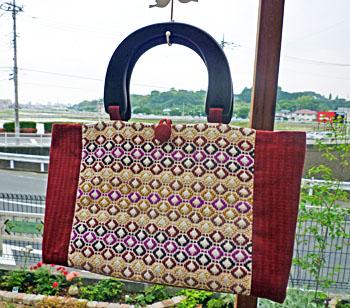 スウェーデン刺繍のバッグ1