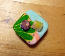和菓子の帯留め