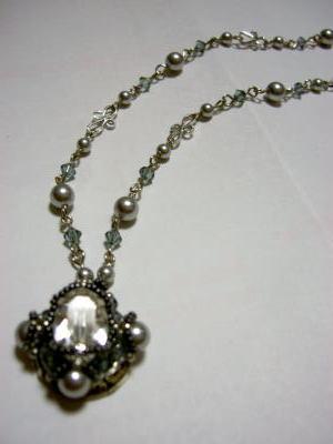 swaro-pendant