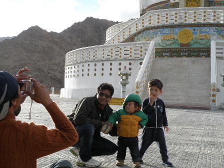 shanti stupa3