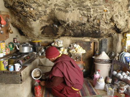 Skurbuchan monk room1