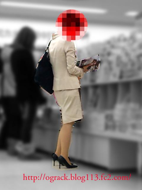 書店でナンパした美人ショップ店員