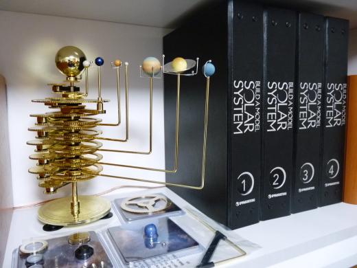 太陽系をつくる 太陽系儀と書籍バインダー