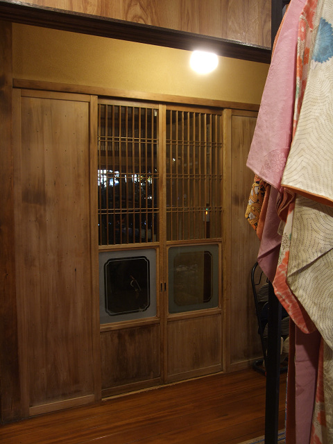 隠れ家ギャラリーえん20011