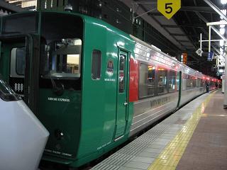 夜の博多駅・・・こんな時・・・