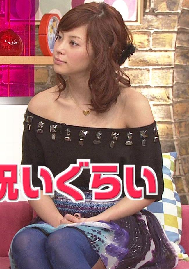 松浦亜弥 肩を見せた大胆な服画像