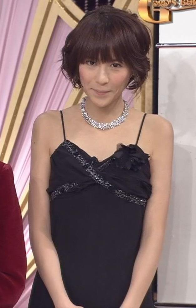 青木裕子 露出度が高くてエロいキャバ嬢ドレスキャプ画像(エロ・アイコラ画像)