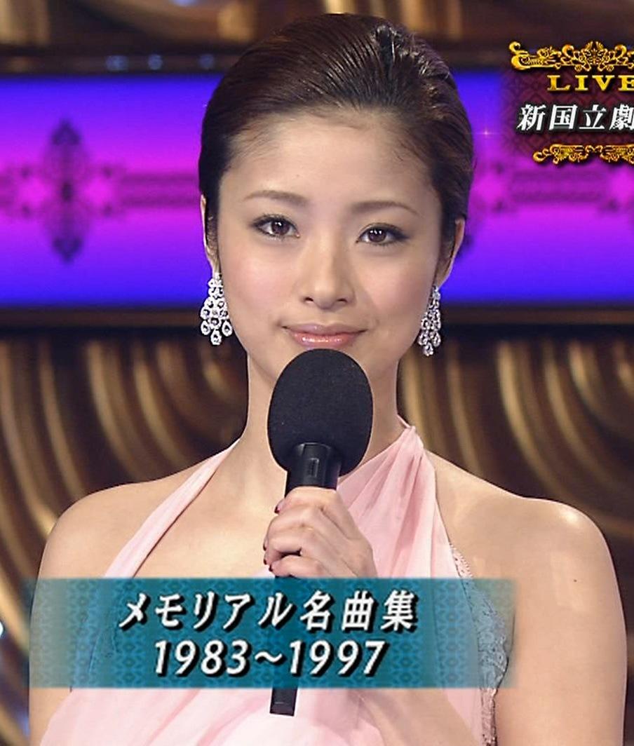 上戸綾 レコード大賞のドレスキャプ画像(エロ・アイコラ画像)