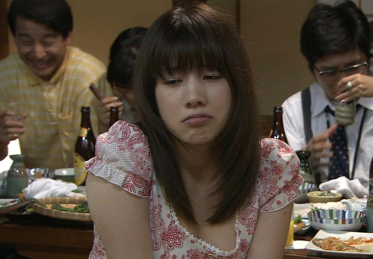 仲里依紗 美味しんぼでエロい演技キャプ画像(エロ・アイコラ画像)