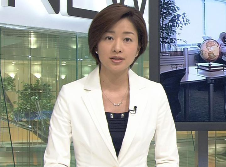 膳場貴子 スカート NEWS23キャプ画像(エロ・アイコラ画像)