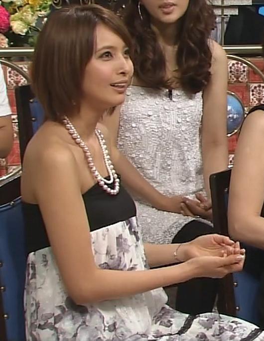 加藤夏希 鎖骨キャプ・エロ画像2
