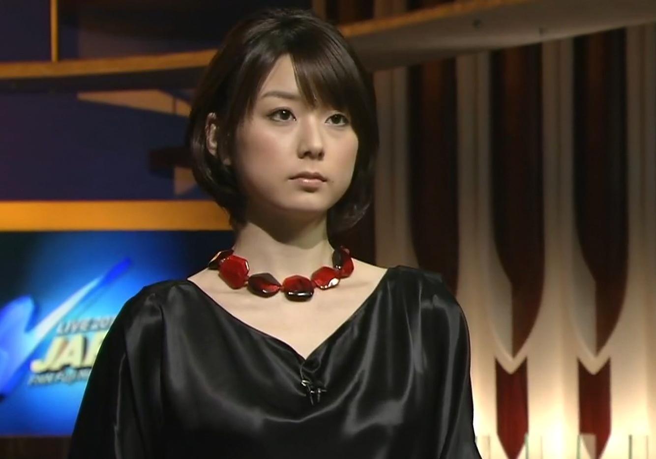 秋元優里 魔女っぽい服キャプ画像(エロ・アイコラ画像)