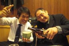 名前    臼井伸太郎      生年月日 1974年5月31生  身長 174cm   体重72kg   職業 産業廃棄物処理業